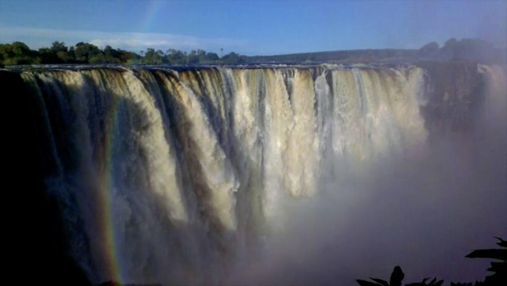 Victoria-Falls-8